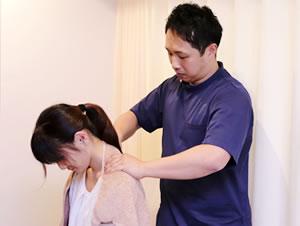 札幌市豊平区 なかがみ鍼灸整骨院の肩こり施術写真